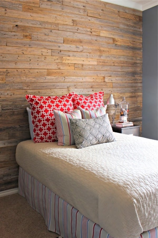 wall from fence planks