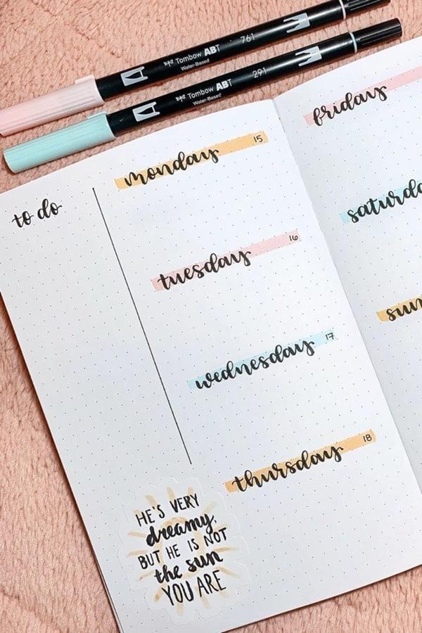 minimal weekly spread with pastel color