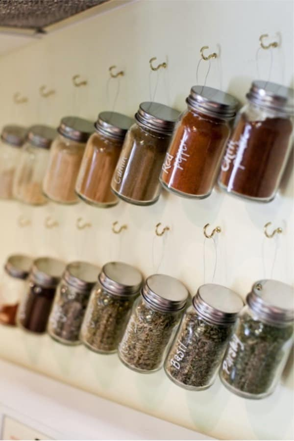 best way to organize spices