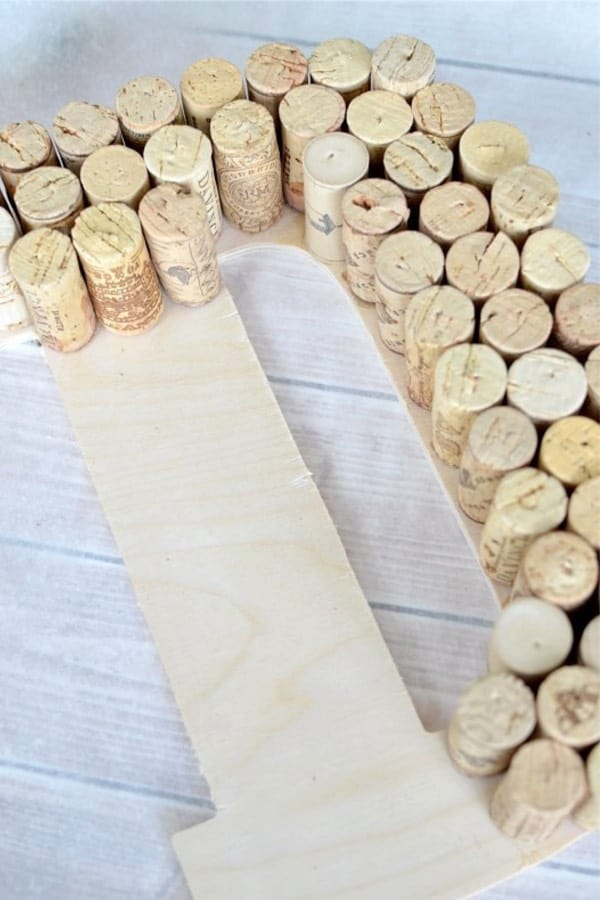 how to make crafts from wine corks