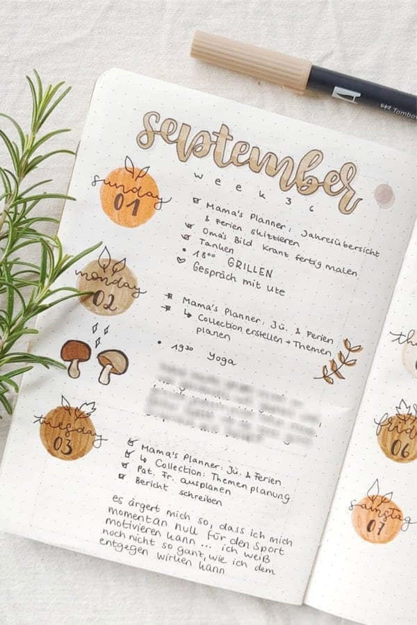 simple weekly spread with autumn colors