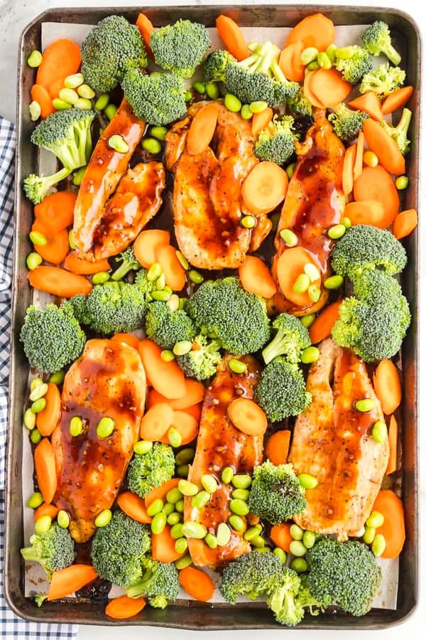 healthy sheet pan recipe with chicken