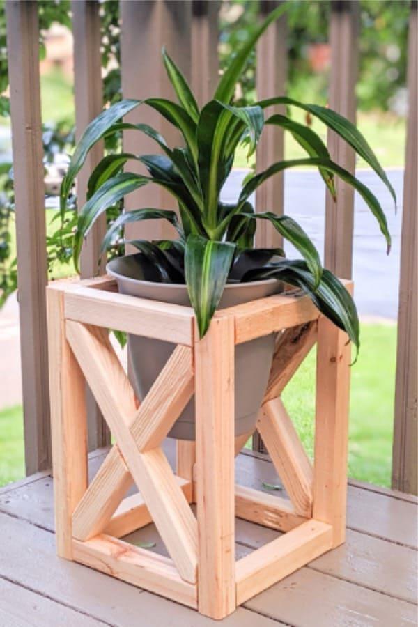 30+ Best DIY Plant Stand Ideas & Tutorials For 2021 - Crazy Laura