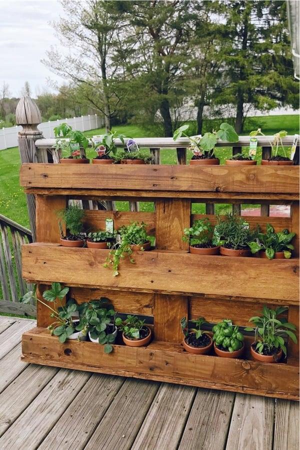 wooden vertical garden diy