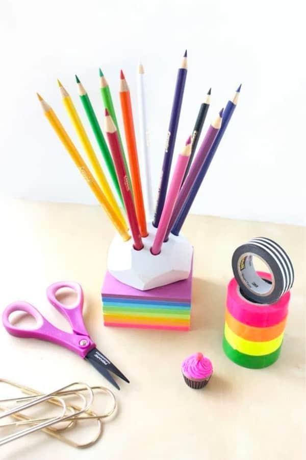 diy pencil holder tutorial with crayola clay