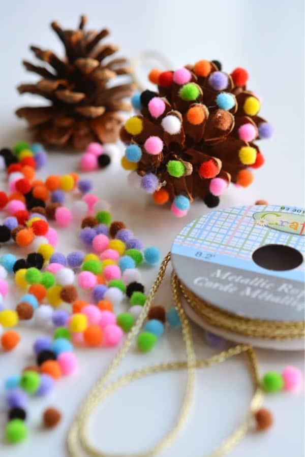 diy ornament craft with pinecones