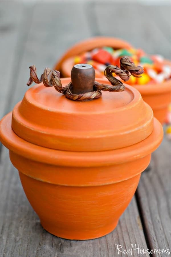 fall craft with clay pots