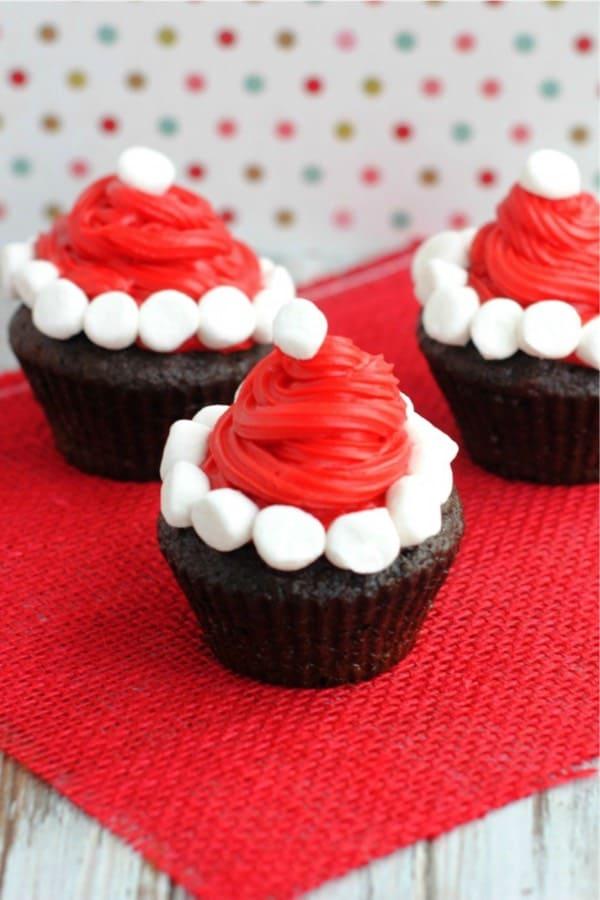 santa themed christmas cupcakes