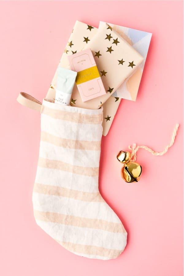 cheap diy holiday stockings