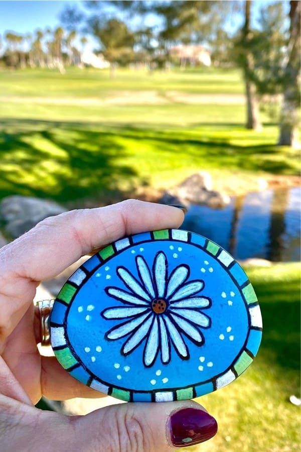 kindness rock with summer daisy painting