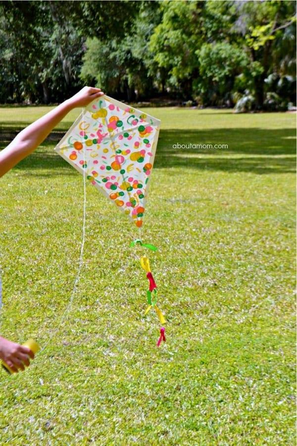 homemade kite craft tutorial for summer