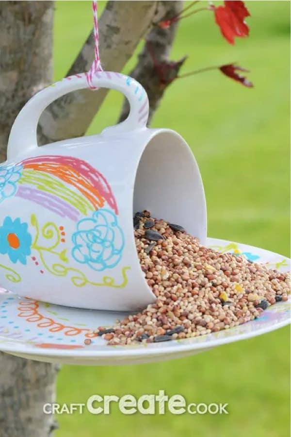 how to make a bird feeder craft