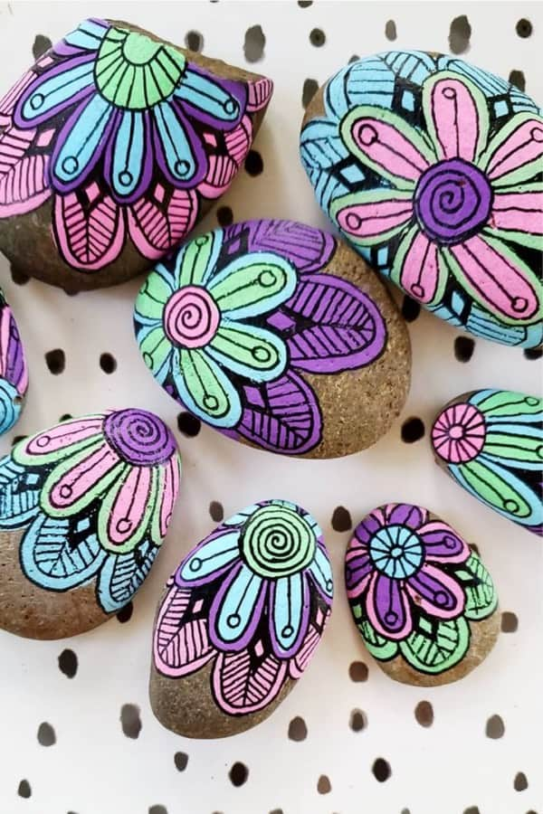 kindness rock example with flowers