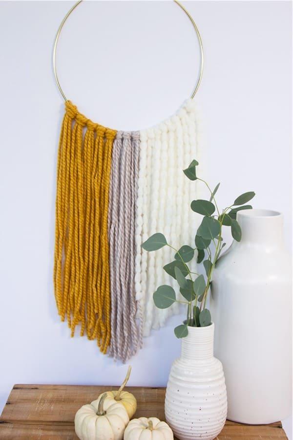 easy to make yarn diy wall hanging
