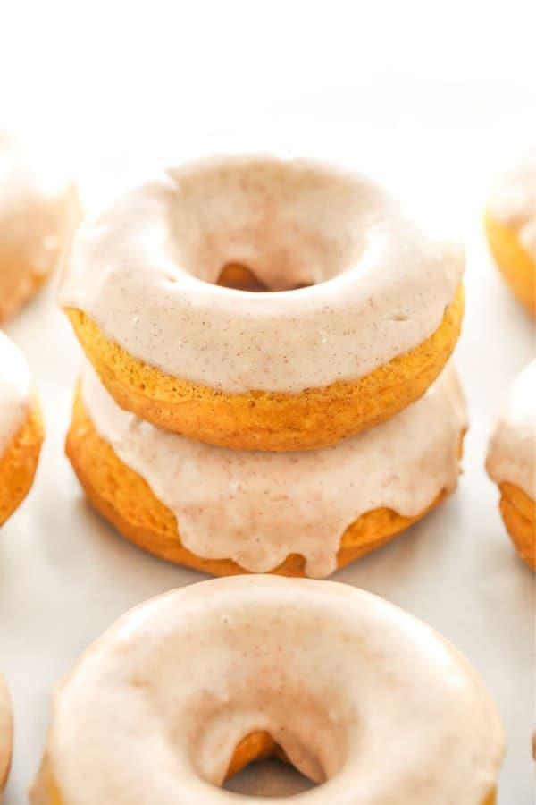 pumpkin spice recipe tutorial for doughnuts